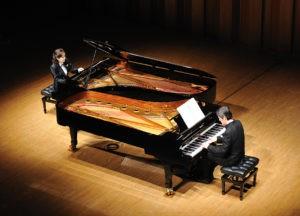 pianonlaug02